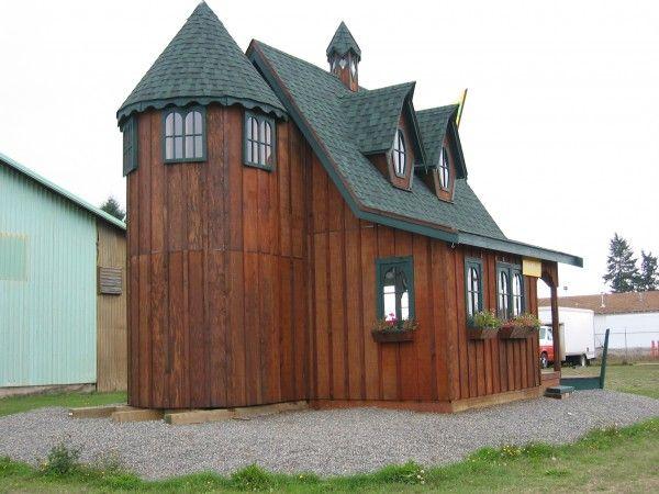 Side View Of Tiny Whimsical Cabin: 18u2032 W X 22u2032 L Main Floor,