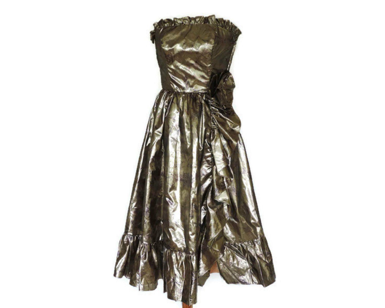 70s Gold Lame Disco Party Dress By Bernshaw Uk 6 8 Us 2 4 Etsy Strapless Party Dress Disco Dress Etsy Vintage Clothes [ 1200 x 1500 Pixel ]