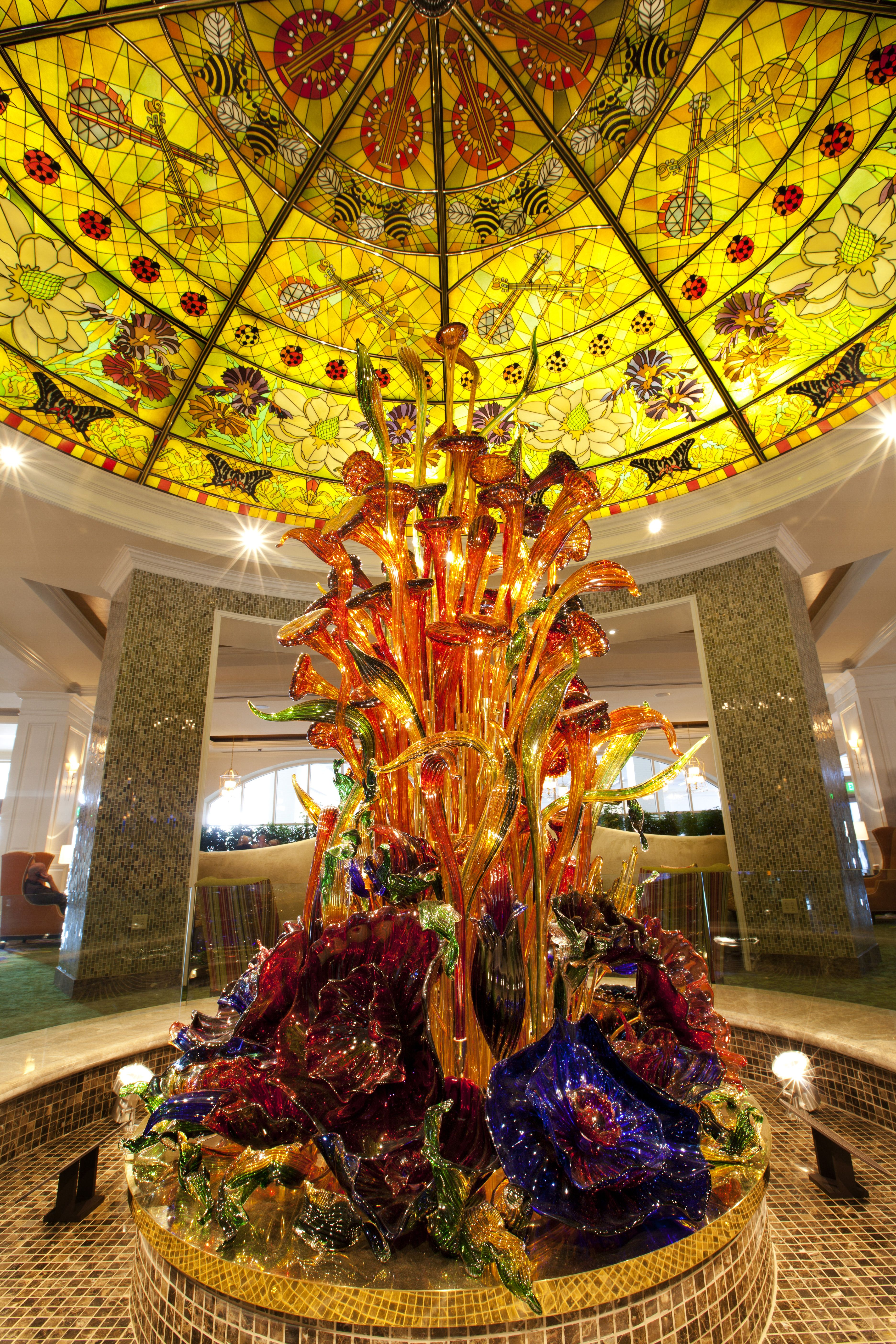 Dale Chihuly Floral Glass-sculpture In Lobby Of