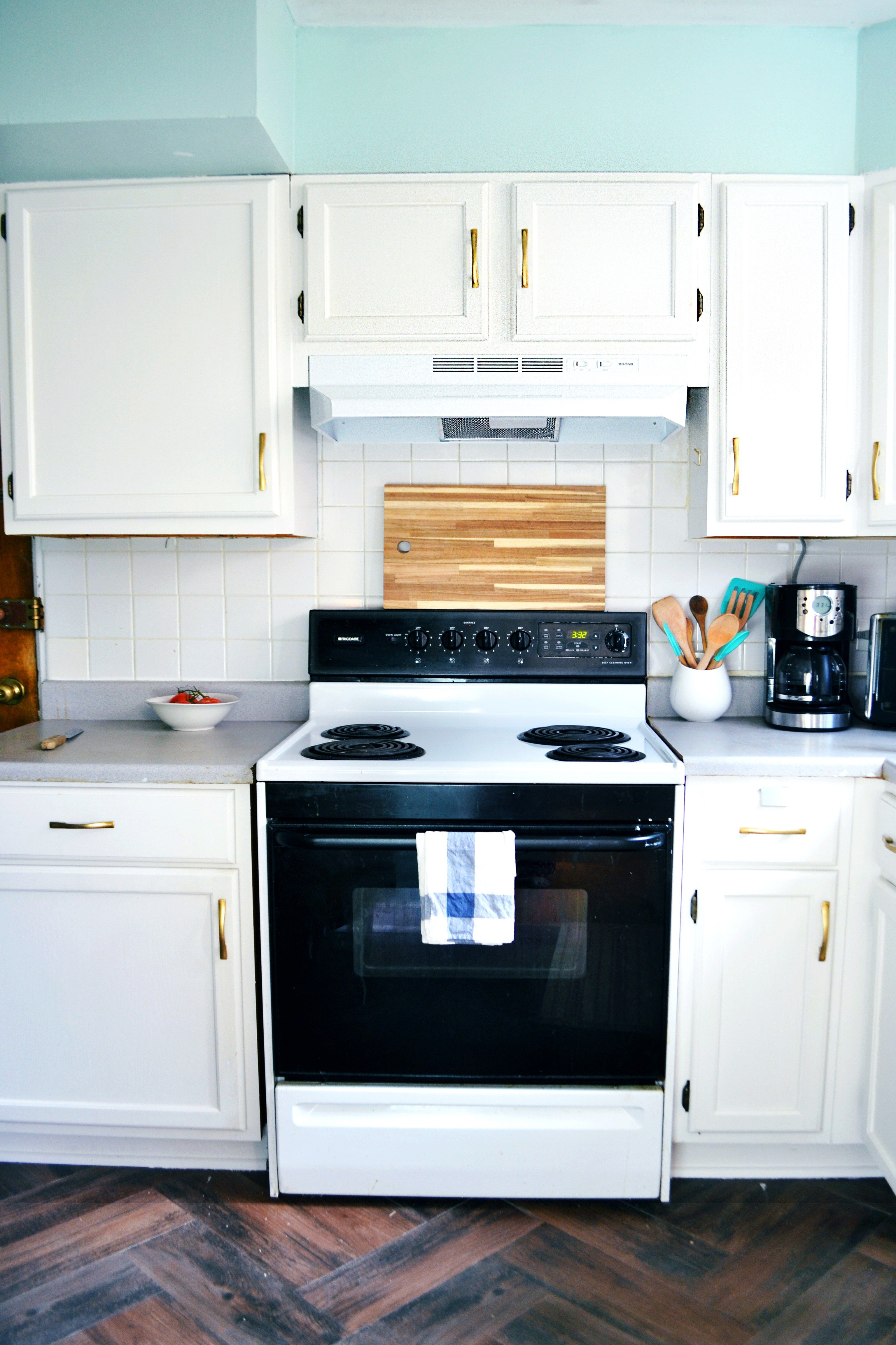 Installing And Converting A Hardwired Range Hood To Plug In Best Friends Pizza Club Range Hood White Kitchen Cabinets Kitchen Cabinets