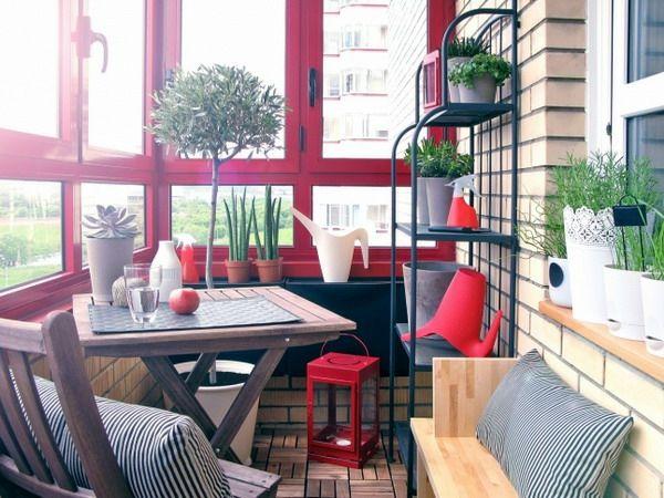 Cooler Kleiner Balkon   40 Kreative Und Praktische Ideen   Kleine Terrasse  Ideen Rot Fensterbrett Möbel Amazing Ideas
