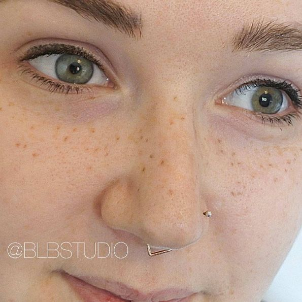 2cf1b4343 In case you didn't know, freckle tattoos have become a pretty hot topic on  social media as of late. Cosmetic tattoos have been around for a  while—think ...