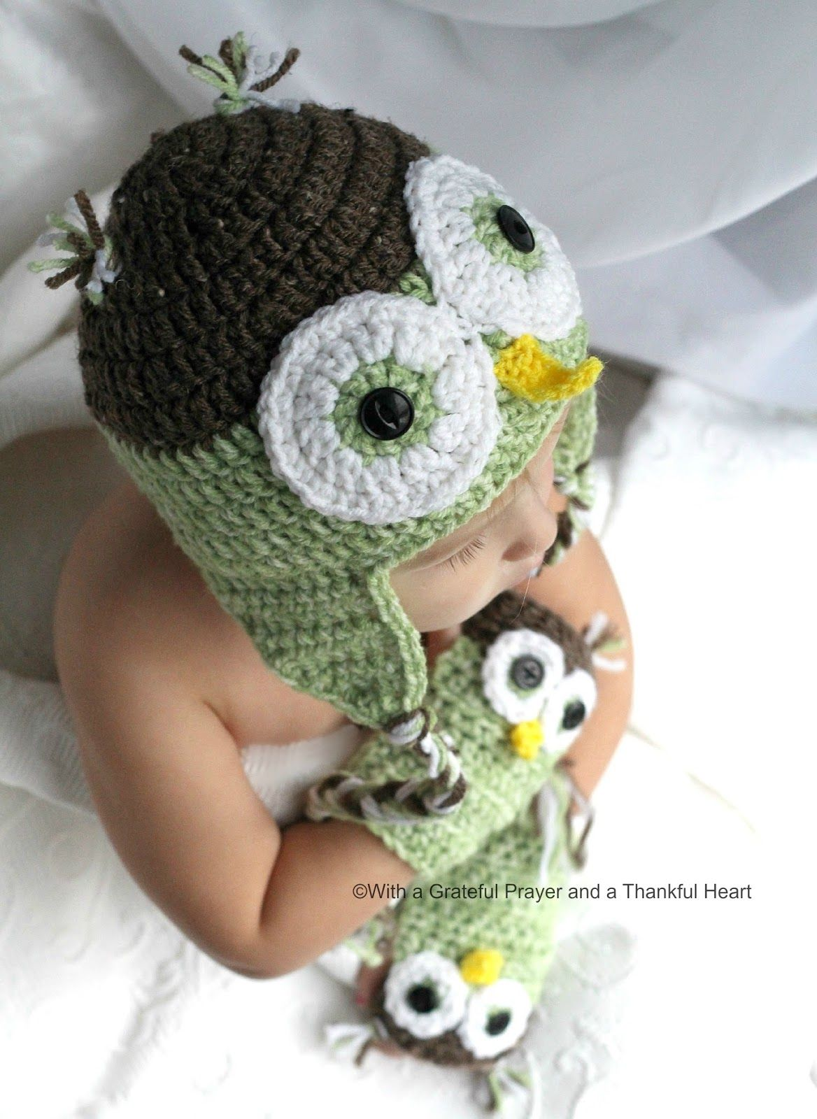 Chloe picks an owl hat owl hat owl and crochet crochet bankloansurffo Image collections