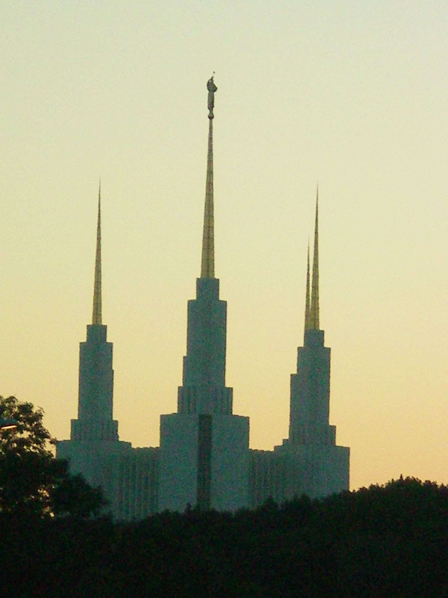 Washington DC LDS temple, but at a diff viewpoint. I love the role the sky plays in this pic.   Image detail for -Mormon Temple