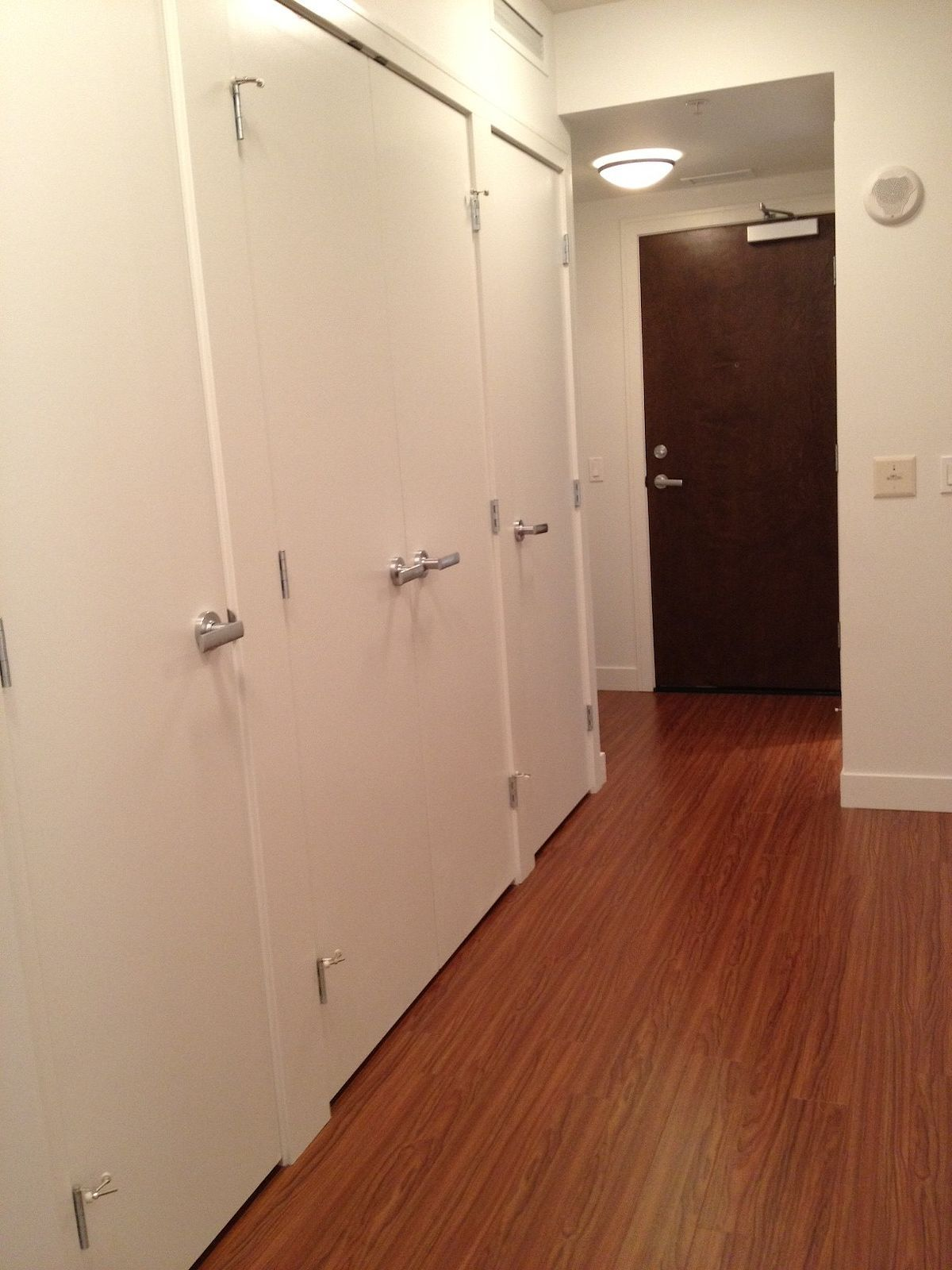 Calgary Eau Claire Apartment For Rent Executive 1 Bedroom In Desired Waterfront Perfect For Live Work And Apartments For Rent Bike Room Tall Cabinet Storage