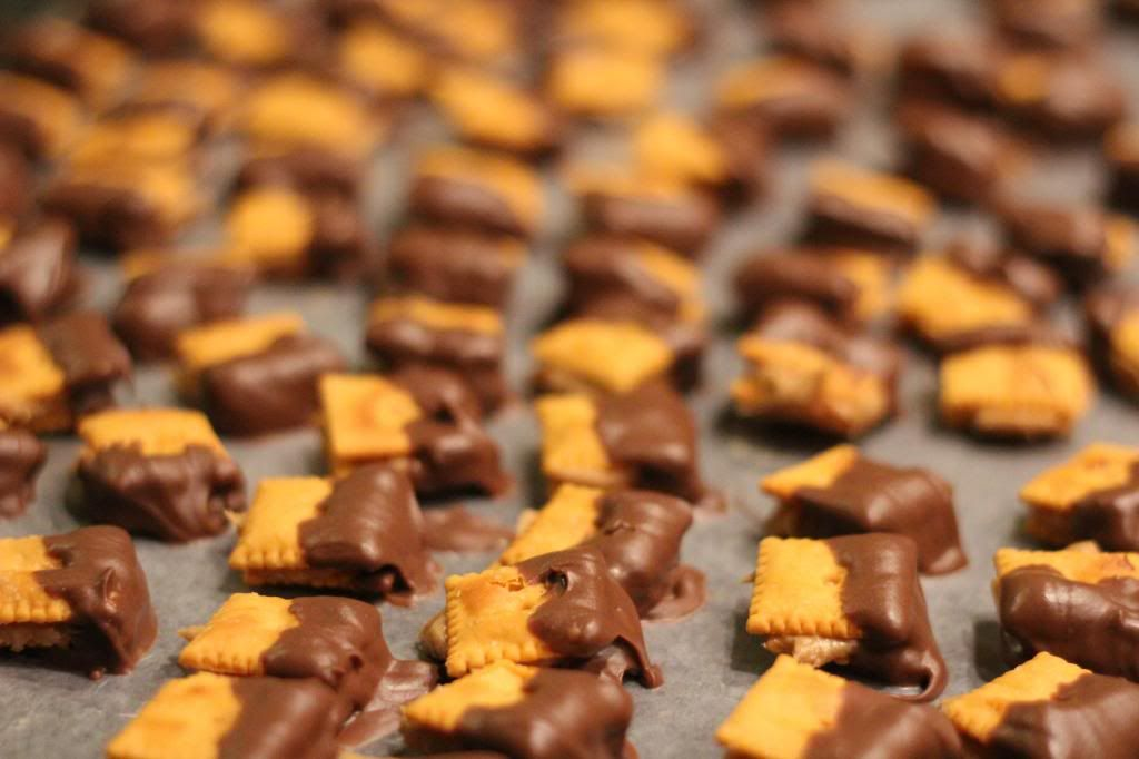 Chocolate peanut butter and cheez it crackers Fudge