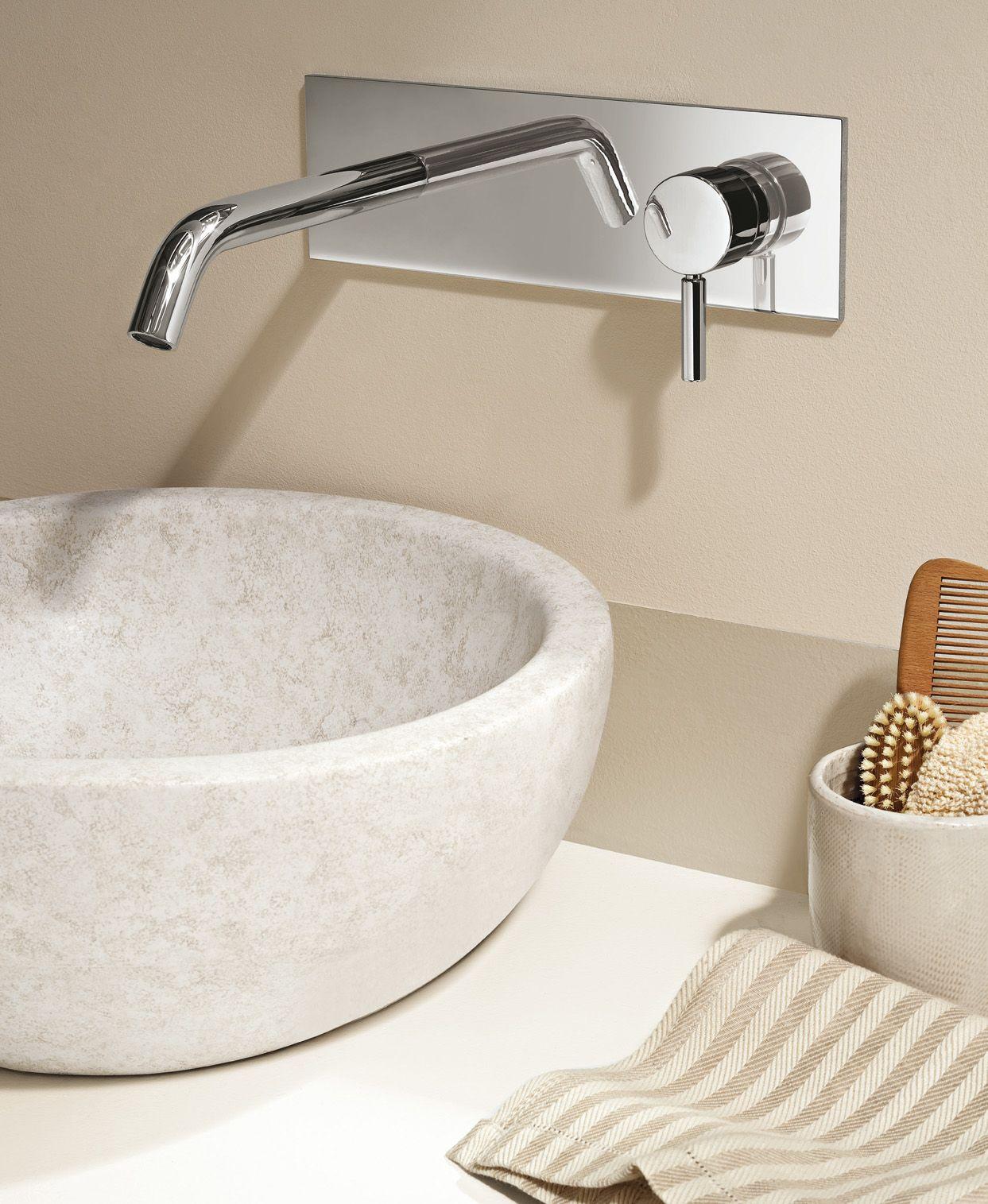 Nostromo collection by Fantini - #fantinirubinetti #fratellifantini #design #homeideas #bathroom #interiorinspiration #lavandino