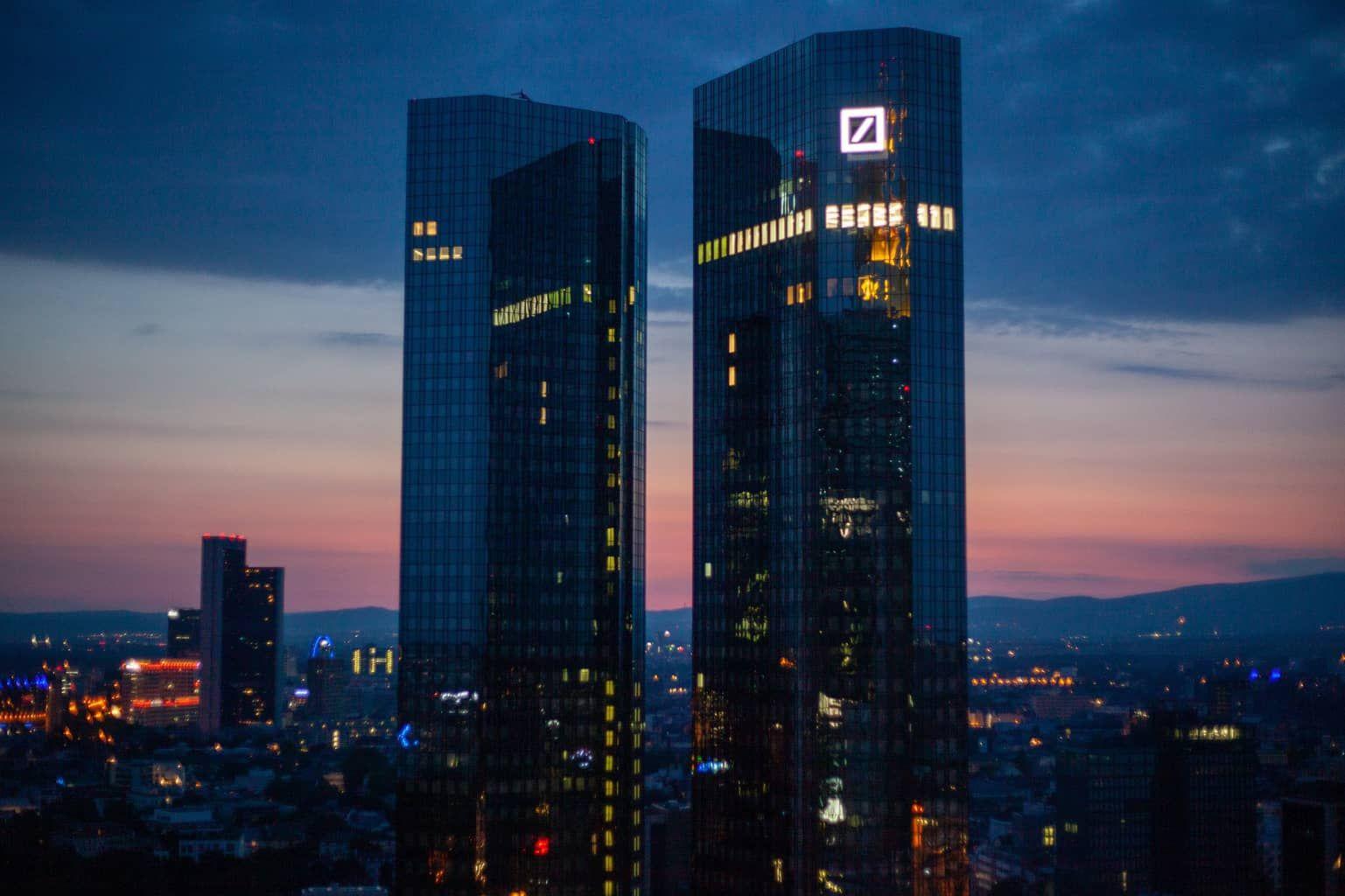 Deutsche Bank Sagt Bitcoin Sei Zu Volatil Um Ein Zuverlassiger Wertspeicher Zu Sein Auch Bitcoin Zahlungen Ste In 2020 Kryptowahrung Blockchain Wirtschaftskrise