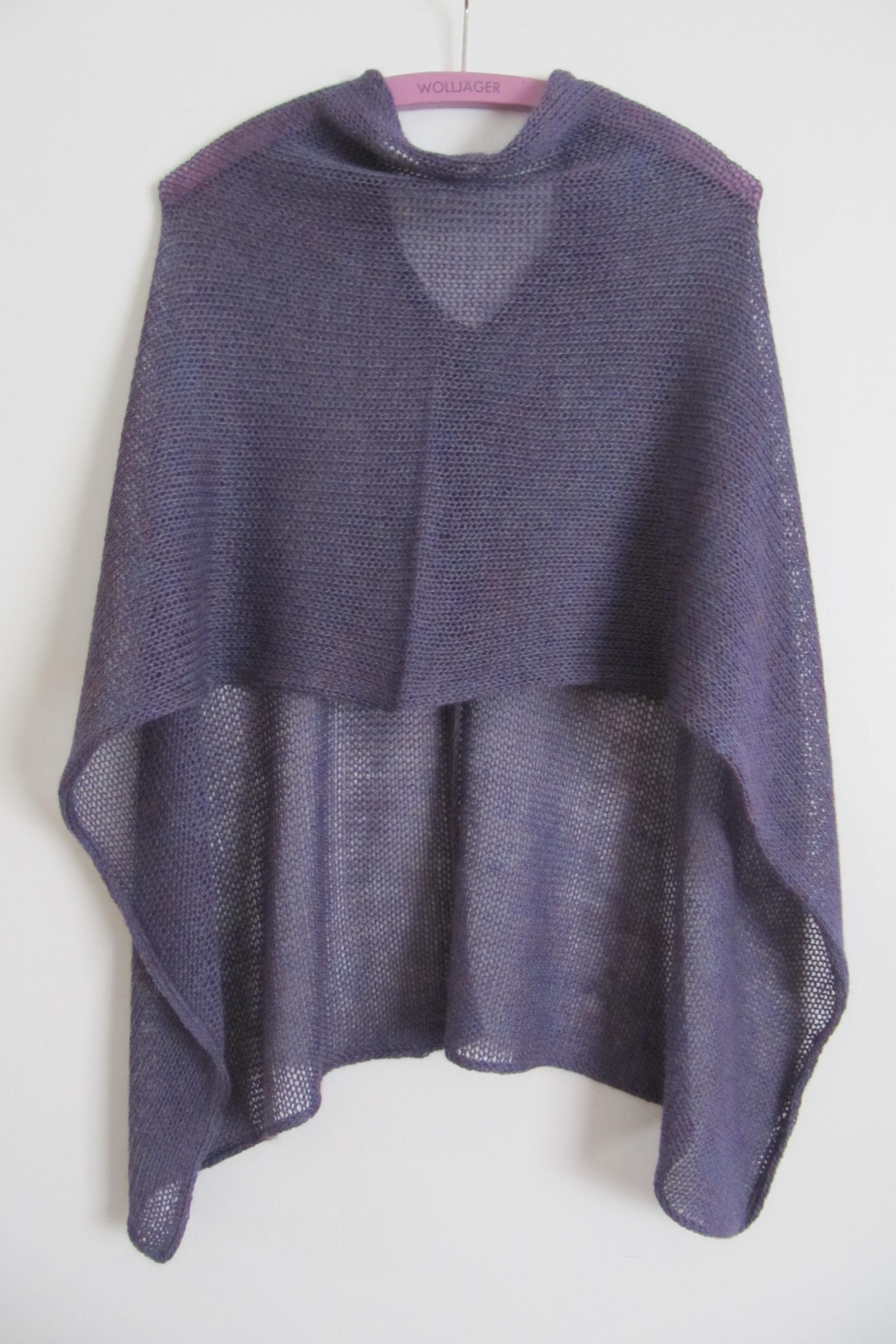 Very easy Poncho | Pinterest | Ponchos, Patterns and Easy