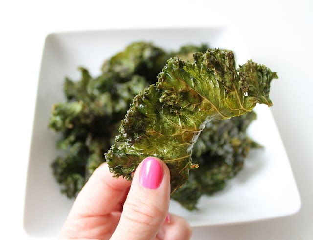 Easy Ranch Kale Chips (Step by Step)