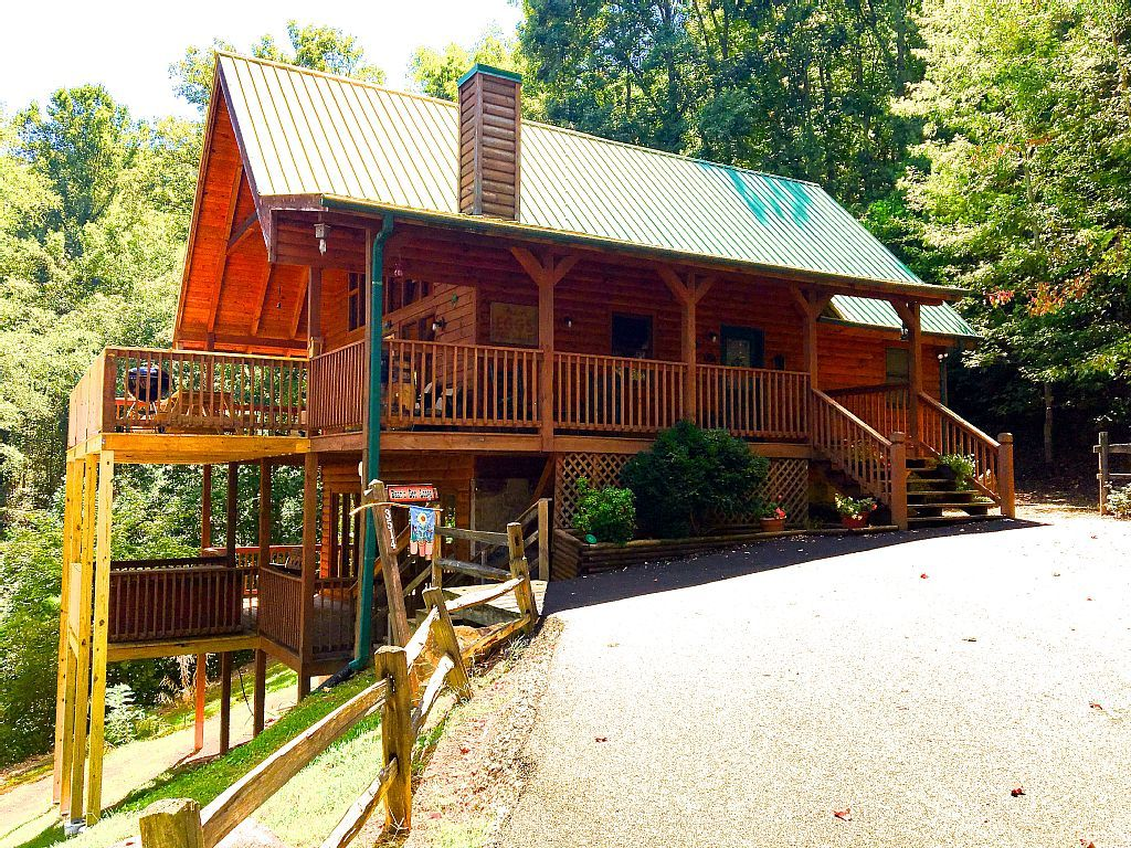 cabin vacation rental in sevierville tn usa from vrbo com rh pinterest com