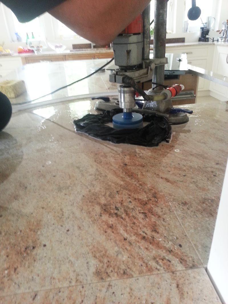 Aufmass Lieferung Und Montage Der Granit Arbeitsplatten Material Ivory Brown Shivakashi In 3 Cm Starke Die Granit Ivor Home Appliances Dyson Vacuum Vacuums