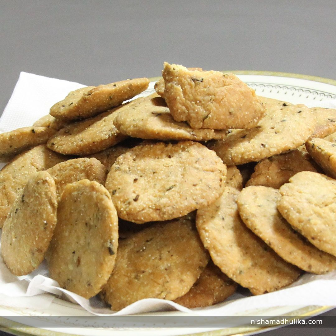 Punjabi Masala Mathris are all time favorite crispy Indian snacks which is perfect cracker for your evening tea. Recipe in English- http://indiangoodfood.com/775-punjabi-masala-mathri-recipe.html ( copy and paste link into browser)  Recipe in Hindi- http://nishamadhulika.com/1260-punjabi-masala-mathri-recipe.html ( copy and paste link into browser)