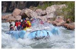 Découvrez l'un des rapides les plus spectaculaires du Grand Canyon ! http://www.voyage-a-las-vegas.com/211-detail-top10-White-Water-Rafting.html