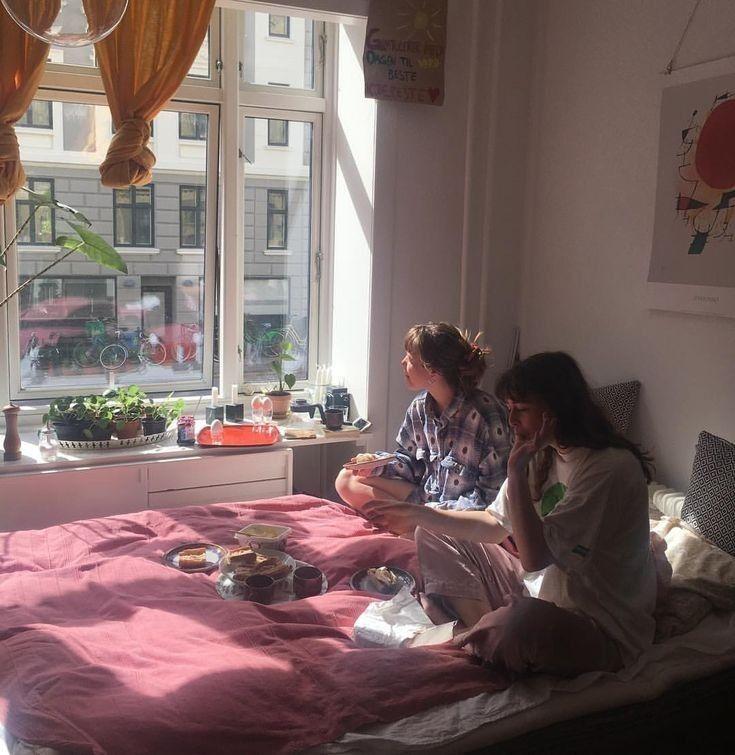 𝓂𝑒𝒶𝓁 | Aesthetic bedroom, Room inspo, Aesthetic rooms