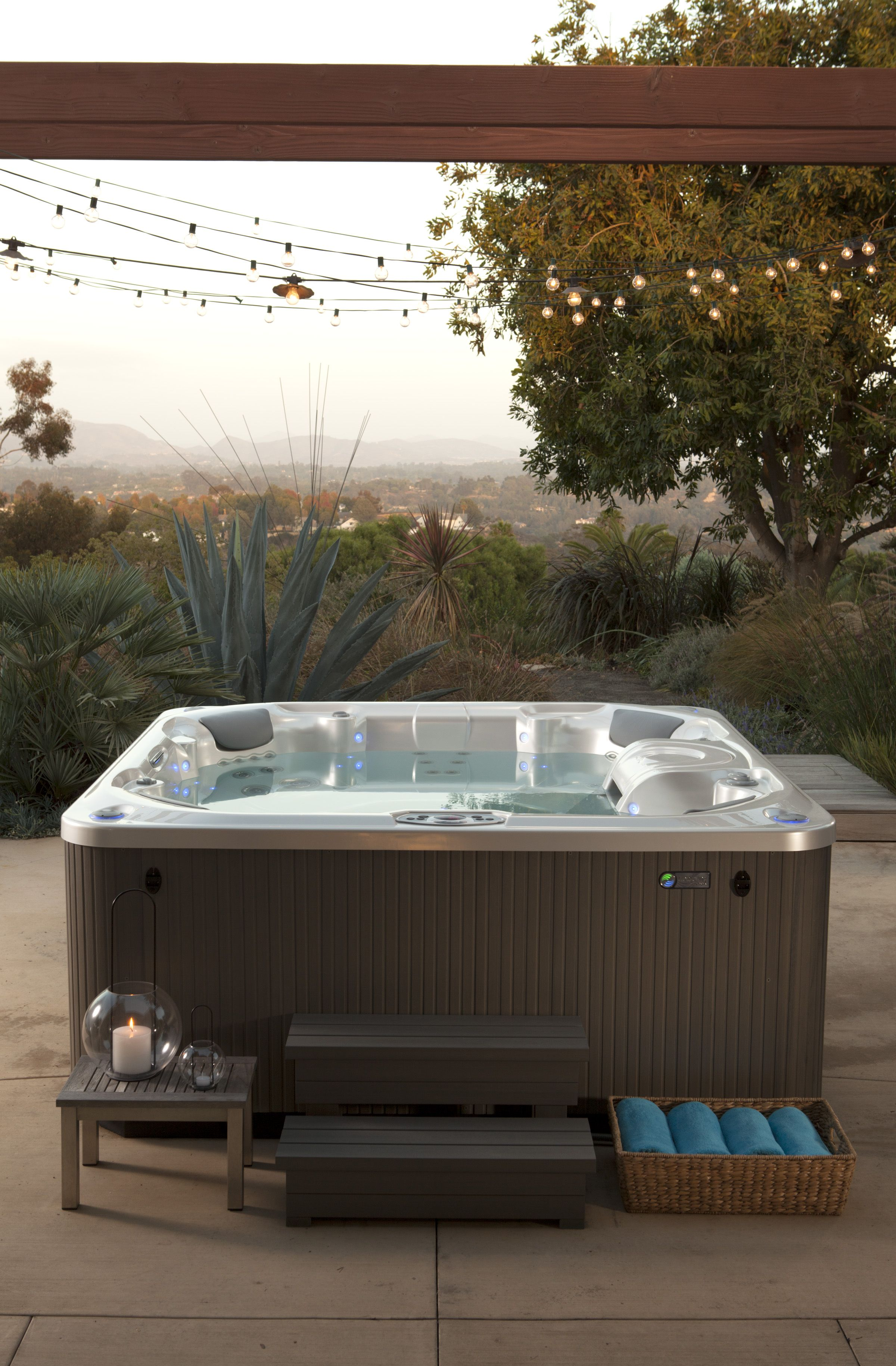 Pulse Seven Person Hot Tub Reviews And Specs With Images
