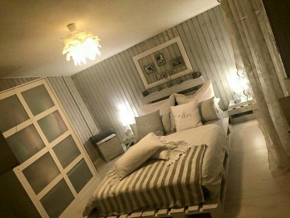 Schlafzimmer grau weiß Landhausstil