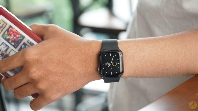 Đồng hồ Apple Watch được nhiều bạn trẻ săn đón