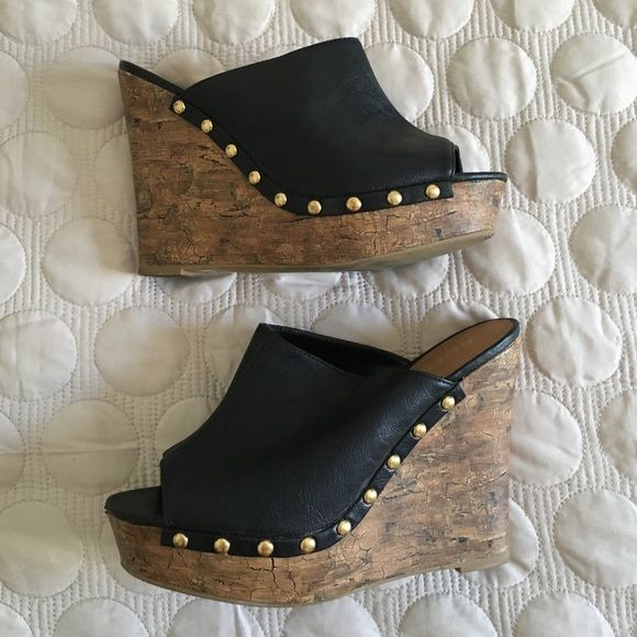 Black cork wedges with gold grommets size 10 Worn twice. Black open toe cork wedges with beautiful gold grommets. Size 10. Perfect pairing with leggings or cuffed jeans ☀️ spring summer essential! 15% off bundle of 2+ items  Soda Shoes Wedges