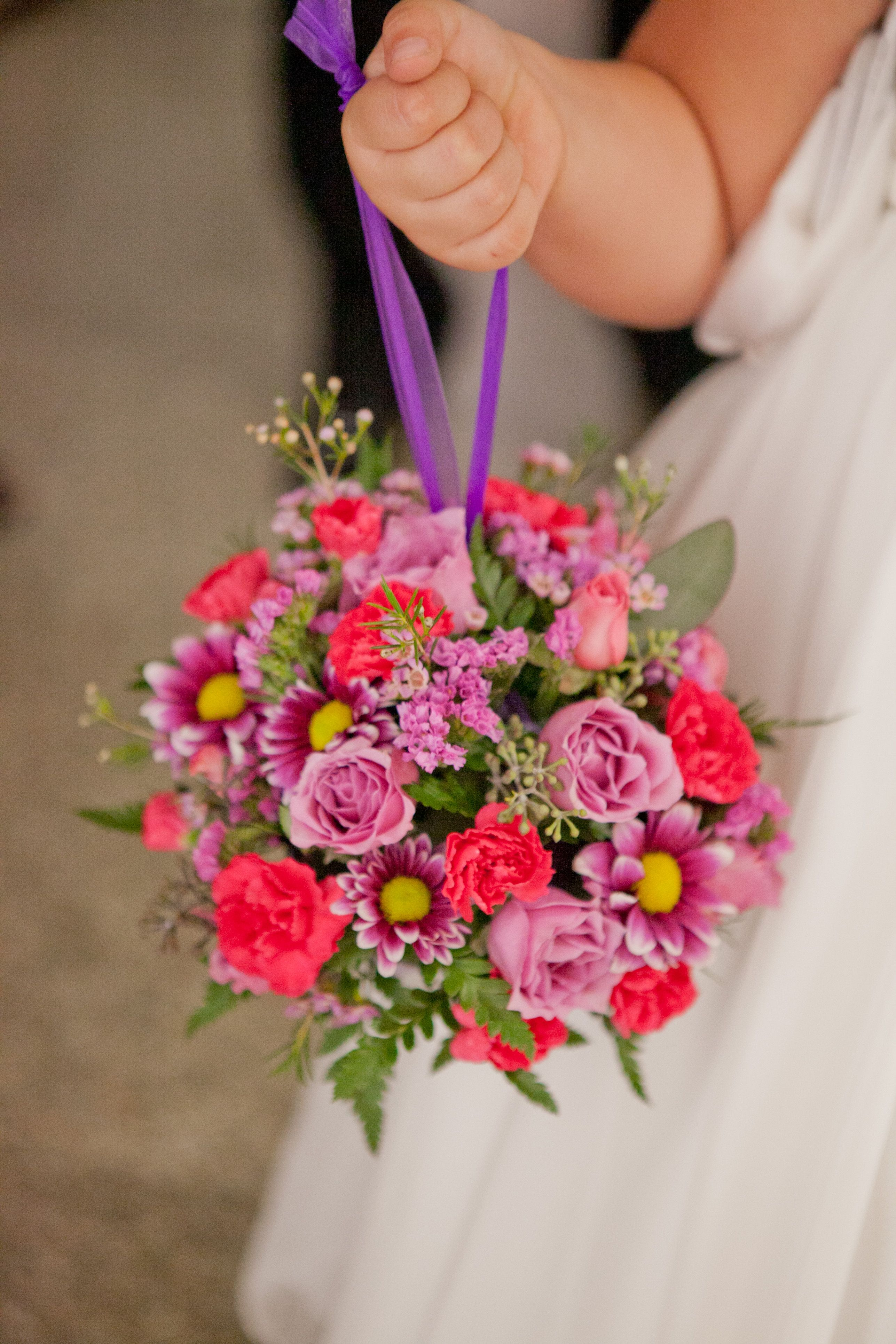Easy to carry bouquet! Photo by Megan. bridalbouquets