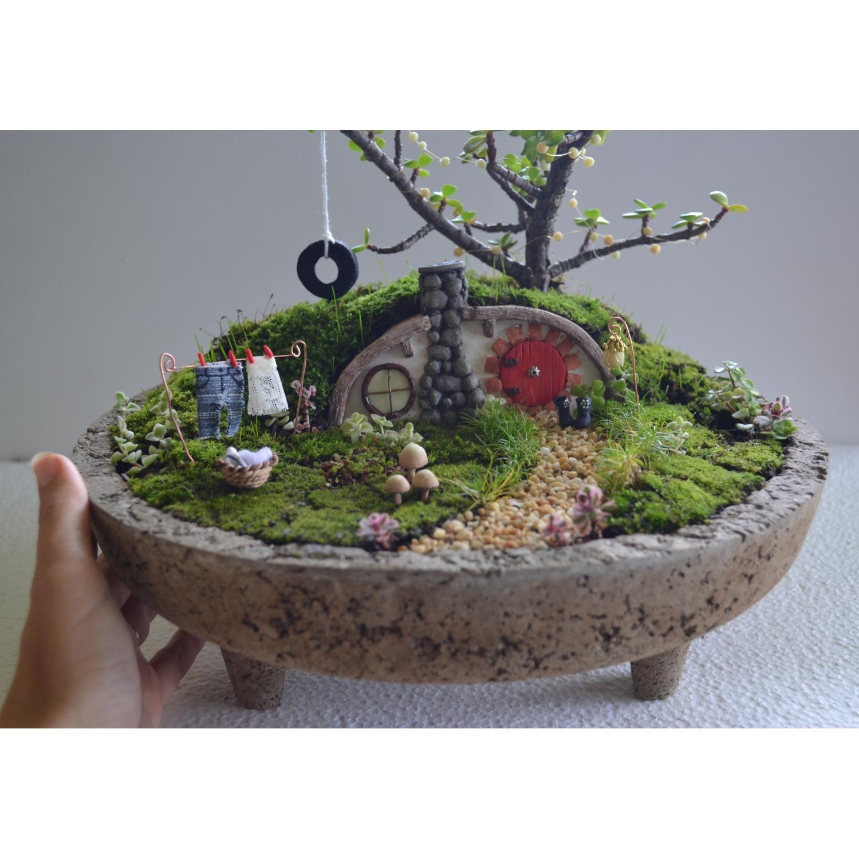 Hobbit house miniature gardens pdf tutorial by for Outdoor fairy doors australia