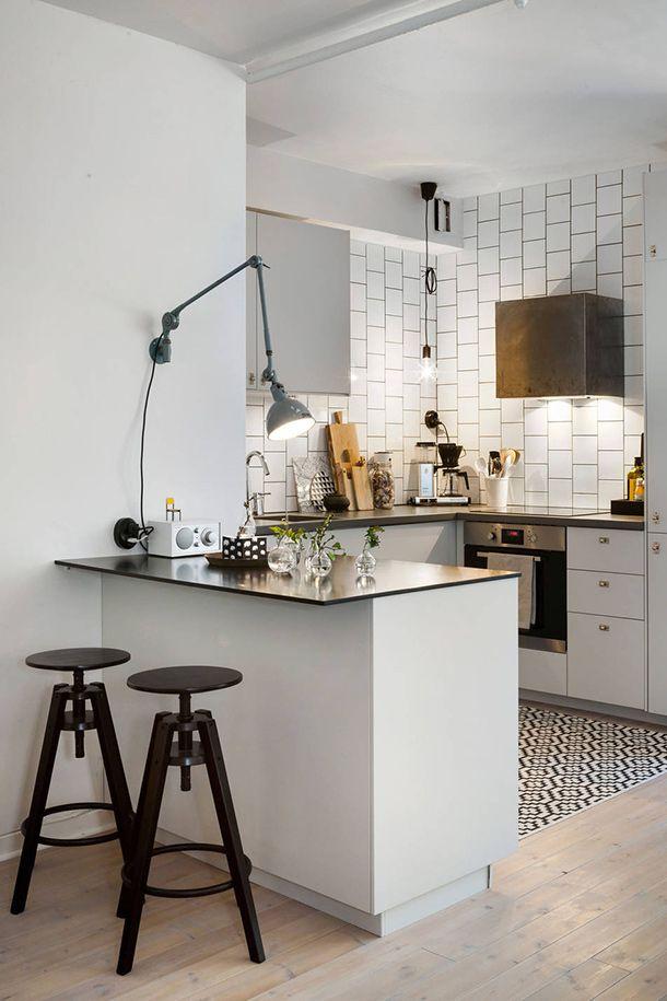 Elegant White Kitchen Bar Table