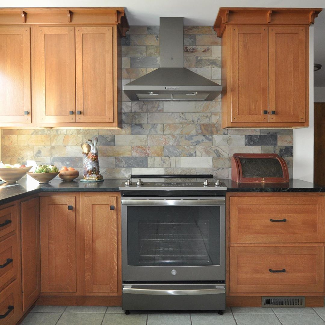 Classic Kitchens Baths On Instagram Quartersawn White Oak Cabinets With So Baths Cabinets Clas In 2020 Slate Kitchen Kitchen Remodel Rustic Kitchen Backsplash