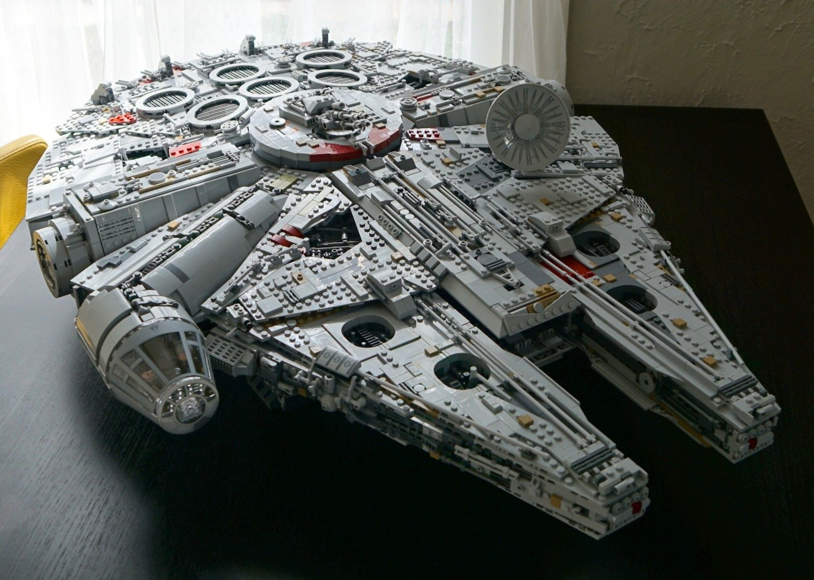 Lego 75192 Star Wars Millennium Falcon Ultimate Collector Series One Week Old Star Wars Spaceships Millennium Falcon Lego Lego Star Wars