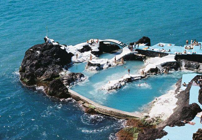 A incr vel piscina natural feita de rocha vulc nica que for Piscinas naturales en mexico