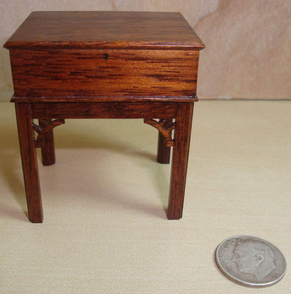 CHIPPENDALE END TABLE WALNUT  DOLLHOUSE FURNITURE MINIATURES