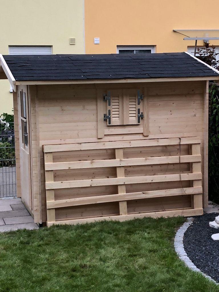 Tolles Gartenhaus mit Ecküberstand, 28 mm