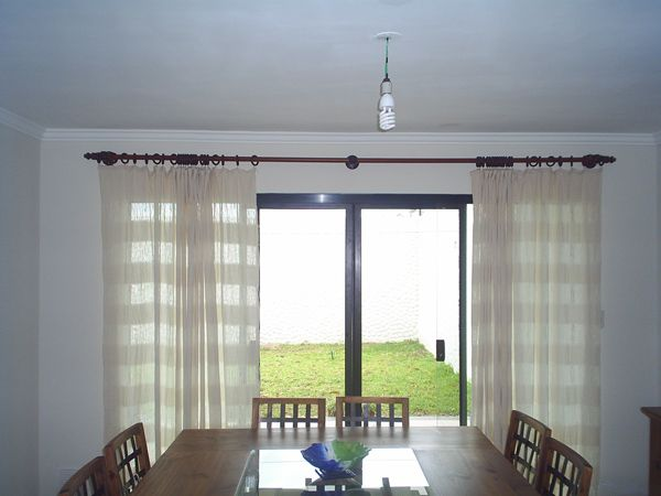 Cortinas rusticas con madera simple decoraci n r stica for Cortinas rusticas
