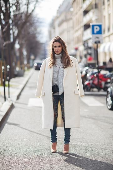 30 Outfits That Ll Make You Really Want A White Coat Fall