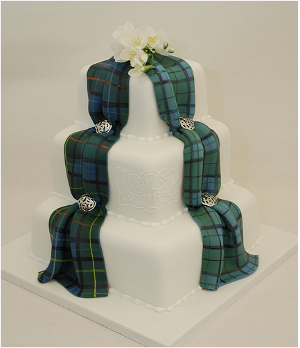 For An Irish Or Scottish Wedding, This Cake Is The Bomb