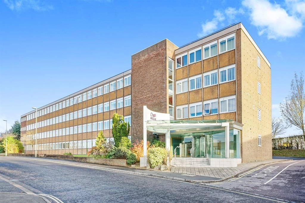 Wella Road, Basingstoke 1 bedroom first floor flat