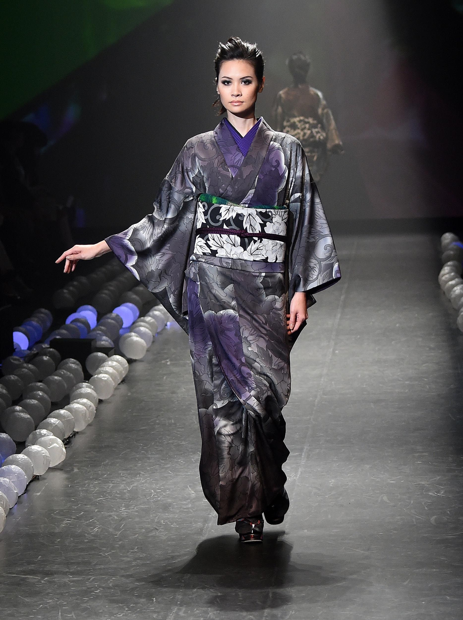 Article expired | Perfect model, Japan and Kimonos - photo#32