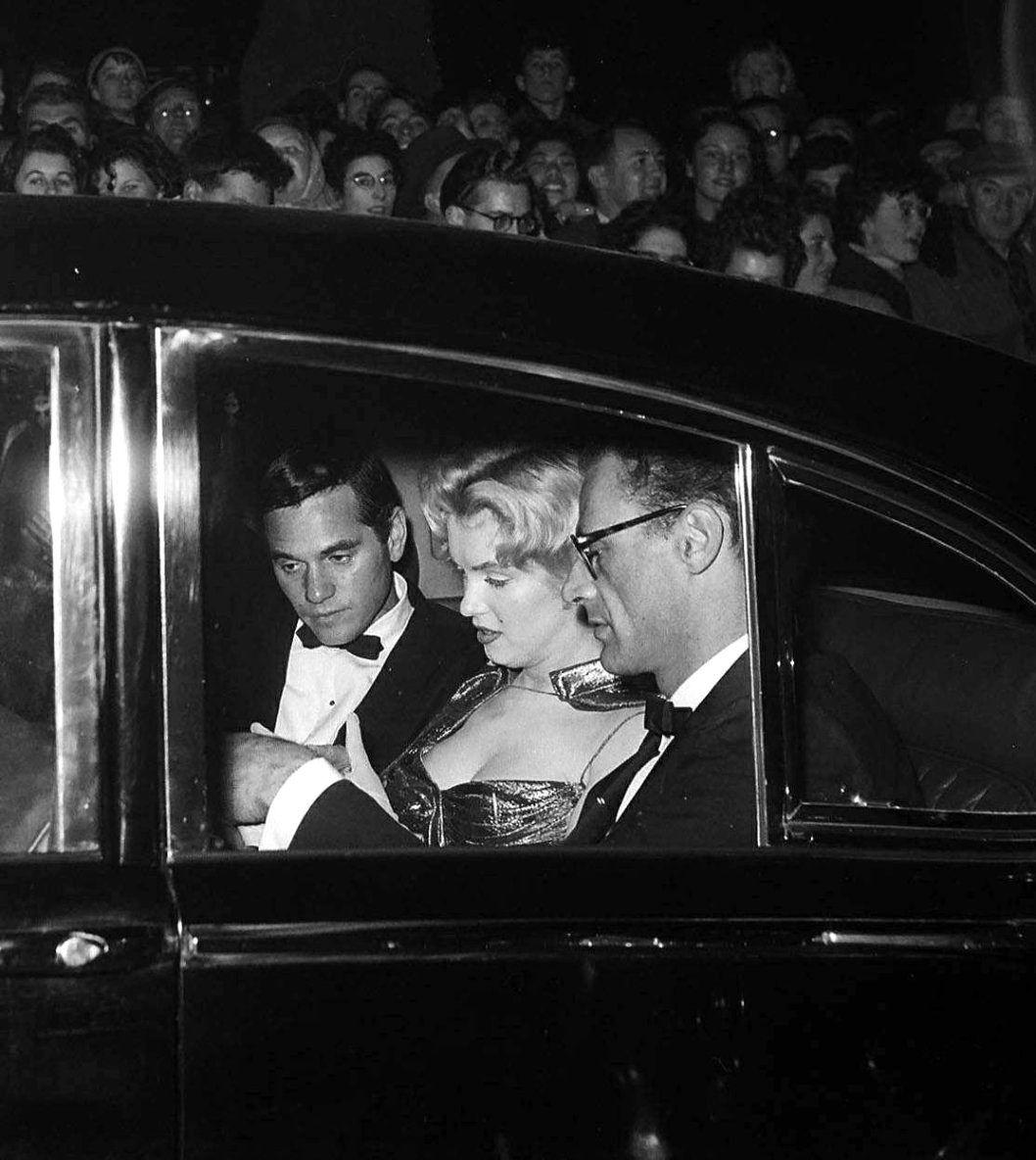 Marilyn Monroe Arthur Miller And Milton Greene At The London