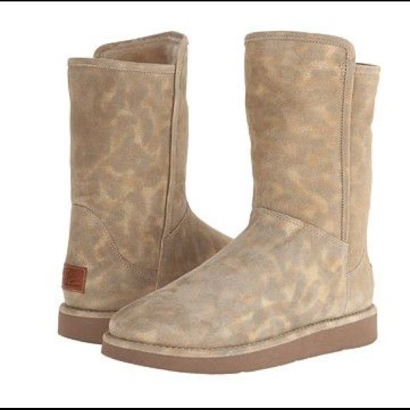 UGG Collection Abree Short Leopard Super Hard to find! Absolutely Gorgeous  UGG Collection Abree Short