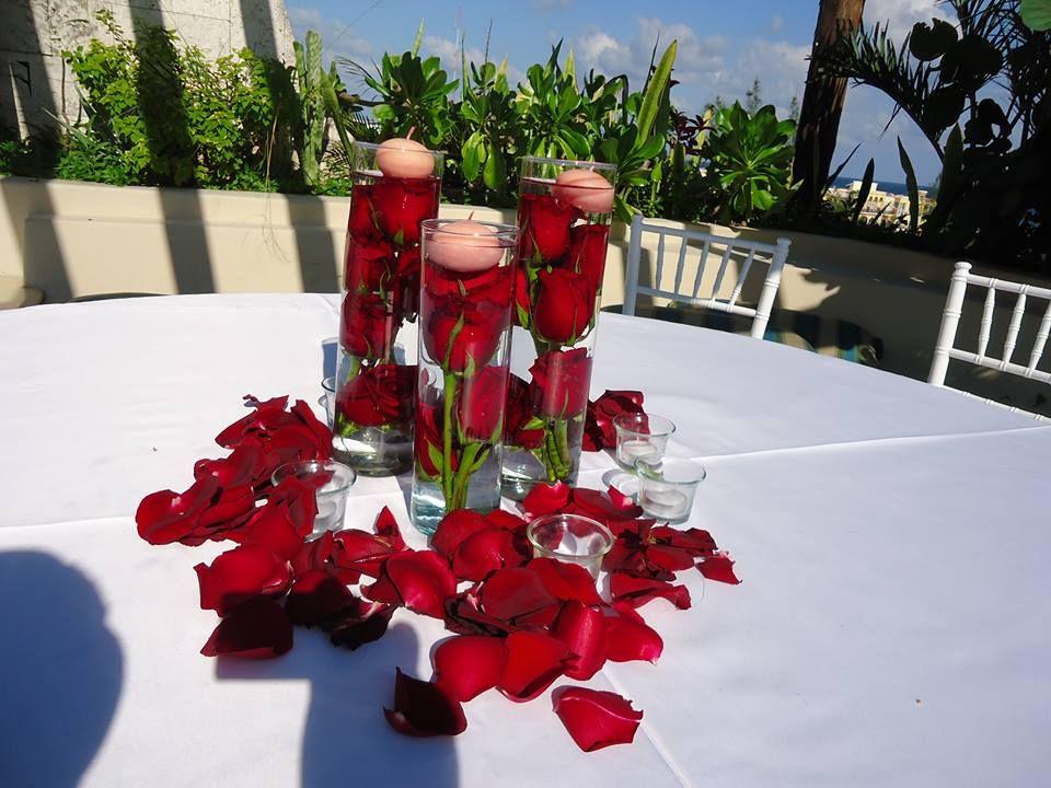 Riviera Maya Weddings Bodas Centerpieces Red Roses Centro De Mesa Rosas Rojas Table Decorations Holiday Decor Christmas Wreaths
