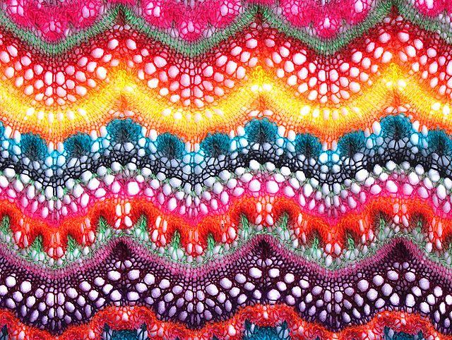 Hibiscus pattern by Kieran Foley | Dos agujas, Puntos y Patrones