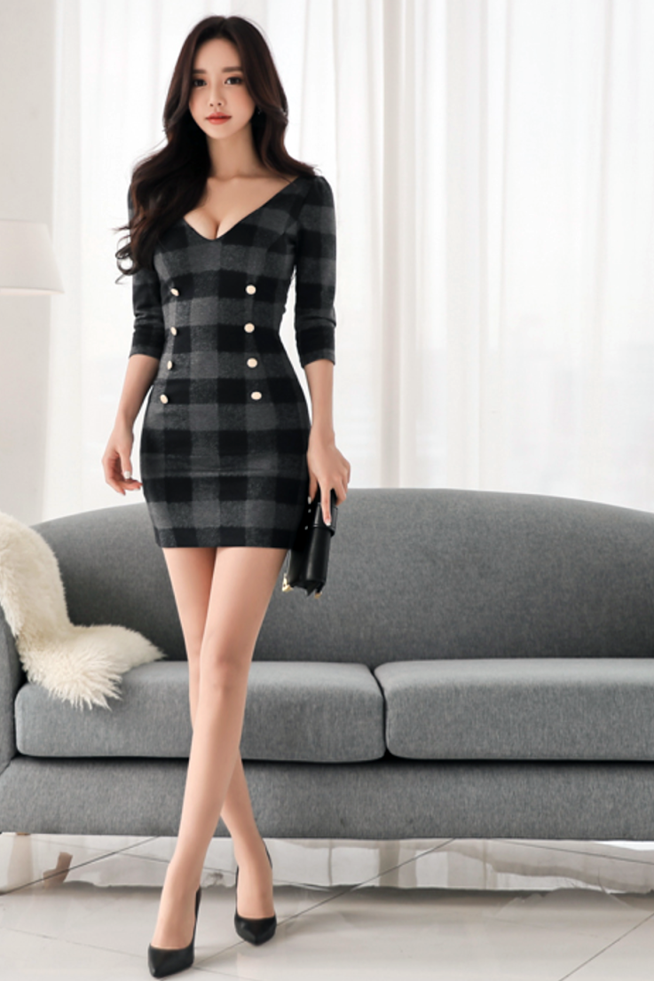 e0bd79e40115 Asian girl in black and gray plaid knit minidress and heels ...