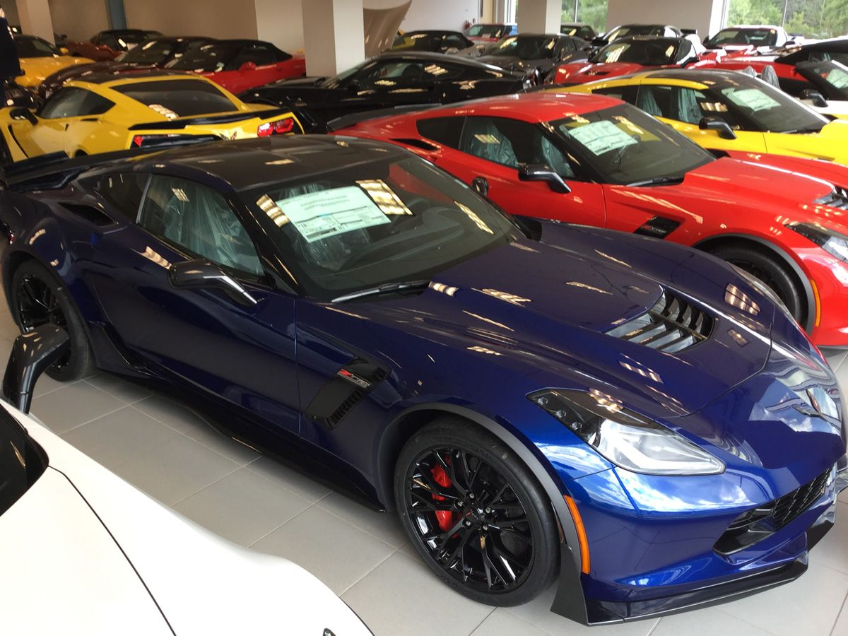 2016 Corvette Z06 With Admiral Blue Metallic Paint Dark Gray Leather Interior 3lz Trim Package Carbon Fiber Roo Corvette Z06 Corvette Chevrolet Corvette Z06