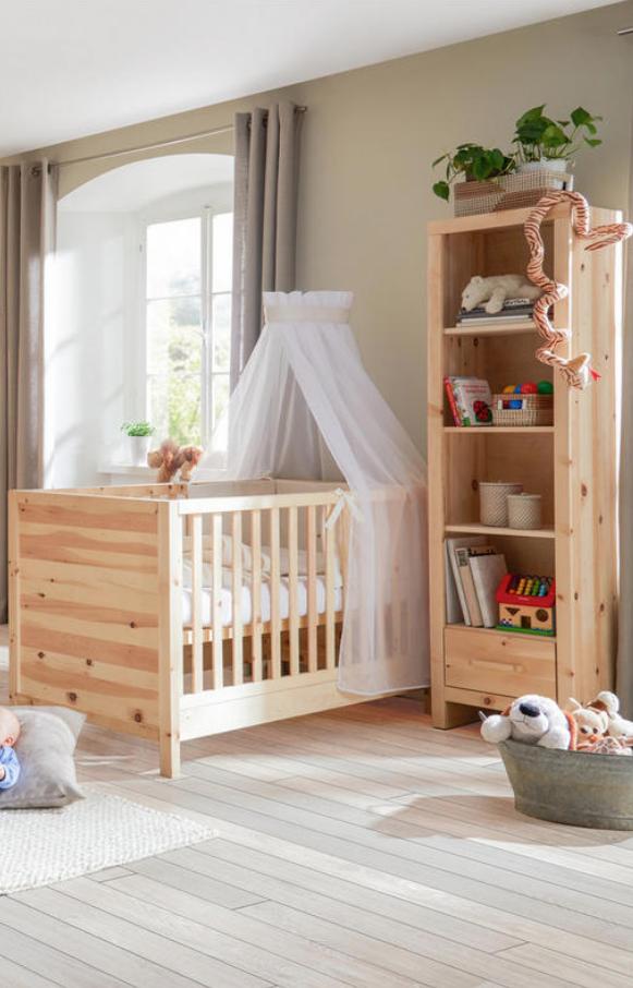 Gitterbett Zirbe Babyzimmer