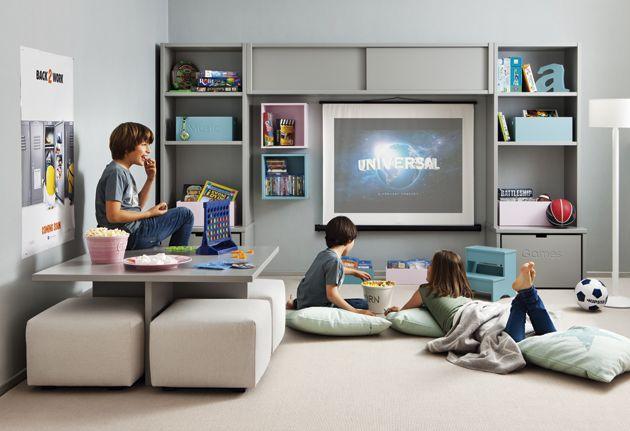 Cuarto de juegos y tele con muebles infantiles asoral for Muebles asoral