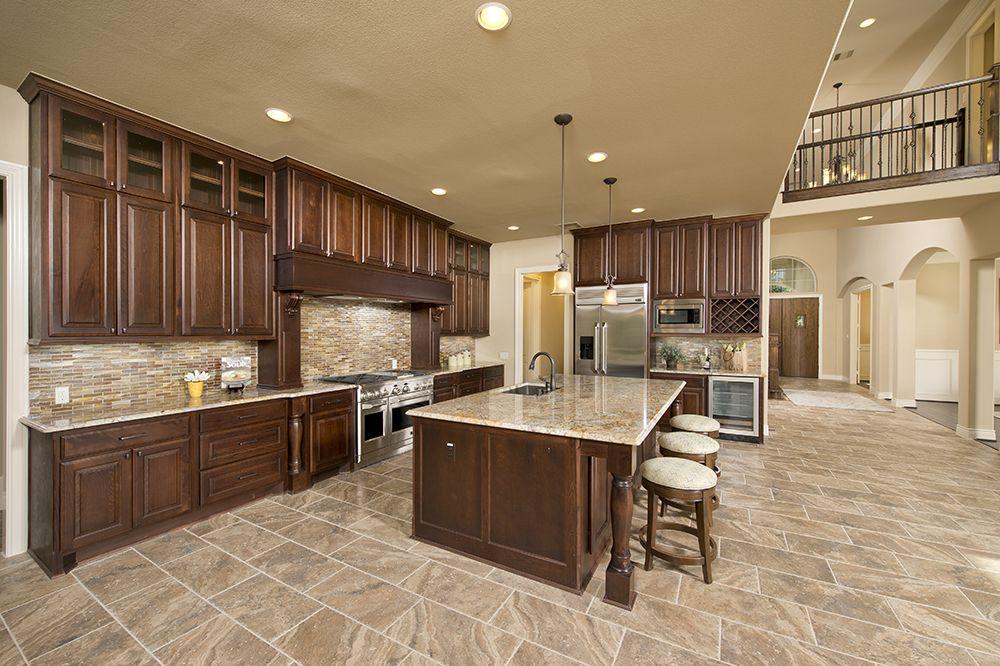 Perry Homes Design 4887S - Gourmet Kitchen | Benders Landing ...