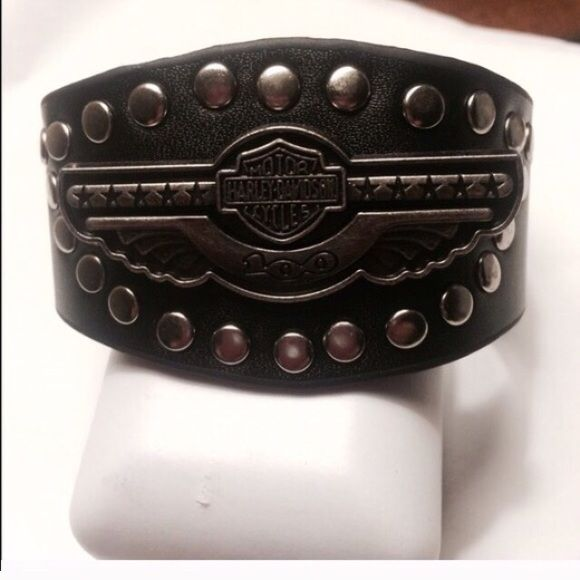 Black Studded Leather Harley Davidson Bracelet Uni New In Packaging Great Detail Been A Awesome