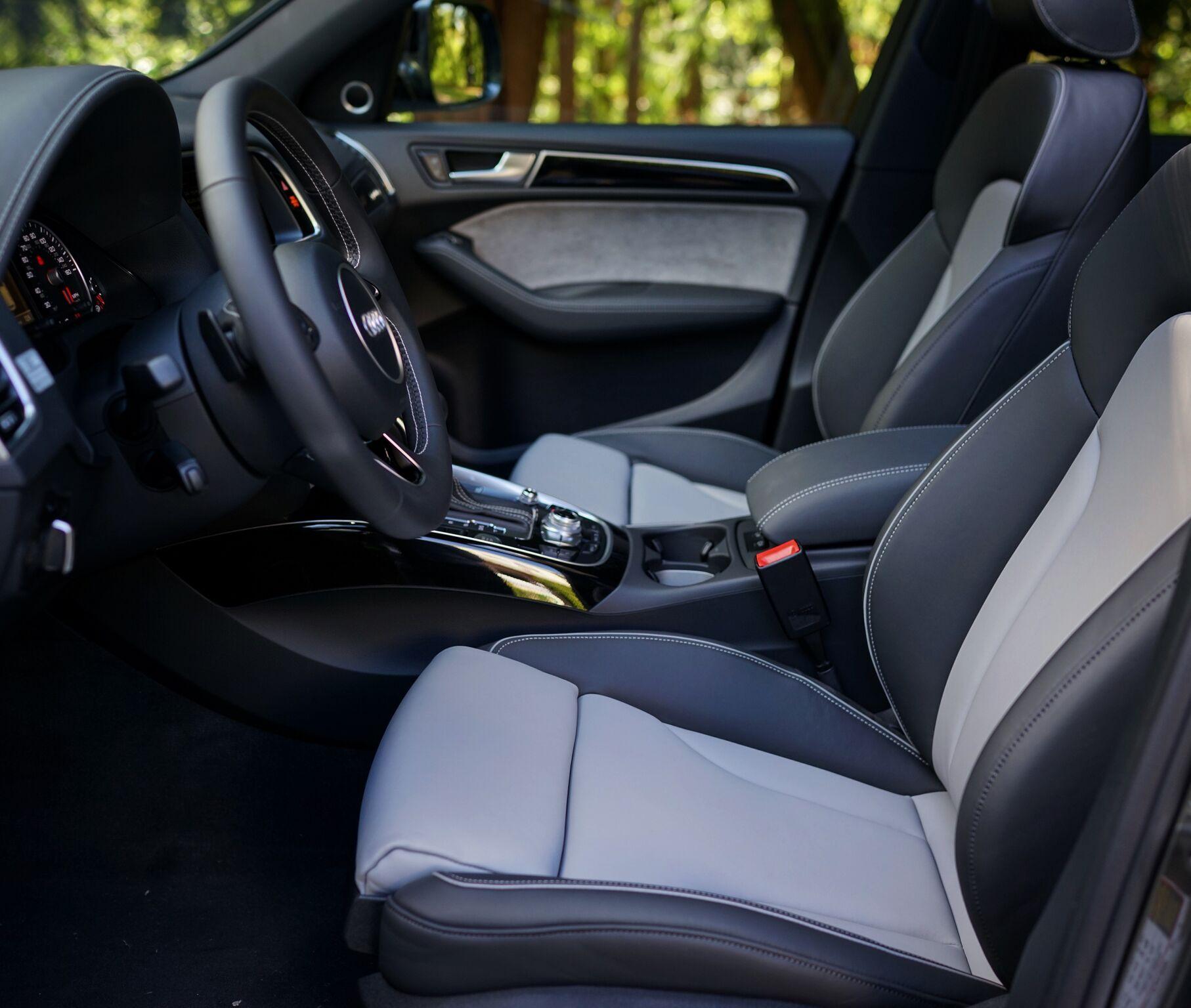 Cloud Gray Q5 Interior Audi Seattle Seattle, WA