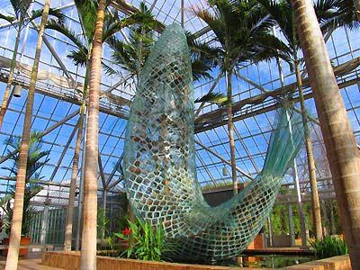 Standing glass fish by frank gehry walker art center - Walker art center sculpture garden ...