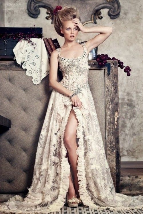 Incredible gown- Looks like a Renaissance dress