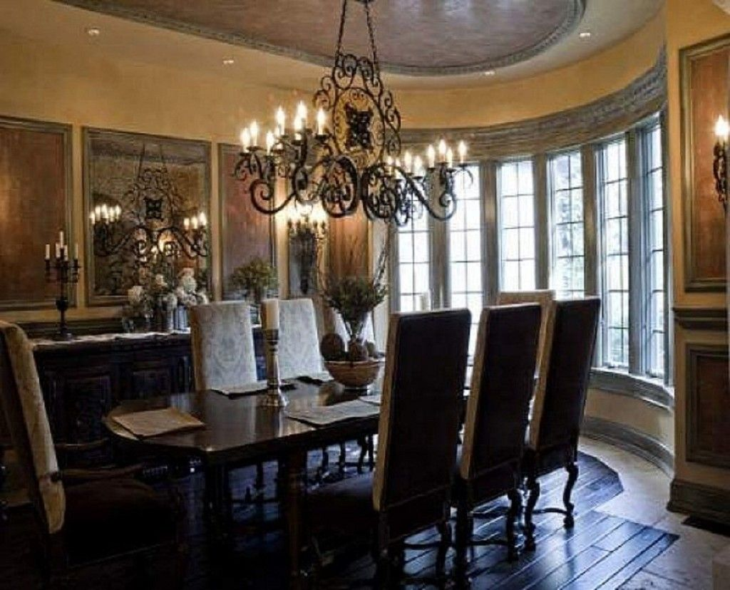Gorgeous dining room; Traditional Dining Room Chandeliers And Traditional Dining Room Chandelier Design 1024x828
